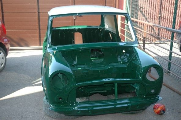british-racing-green-mini-cesar